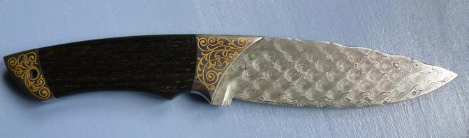 Messer mit Goldtauschierung Gravur: Nadine Kierok (Messermacher: Andreas Behrend)